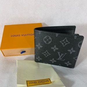 Men's Louis Vuitton wallet signature new
